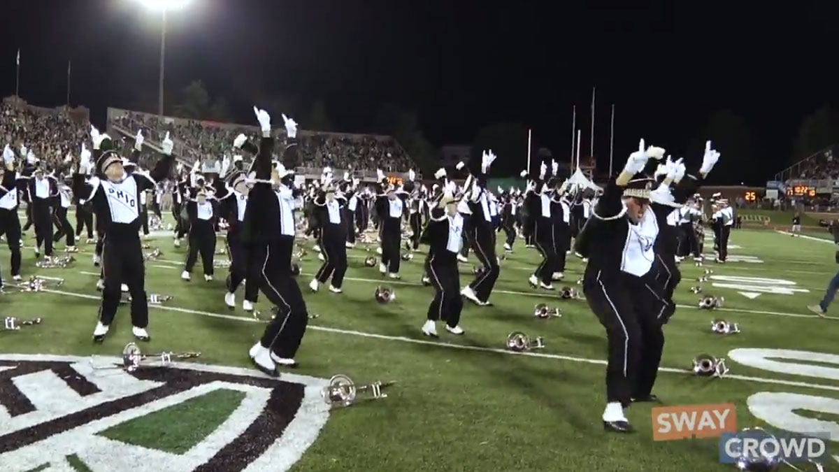 The Ohio University Marching Band performs Ylvis song «The Fox»